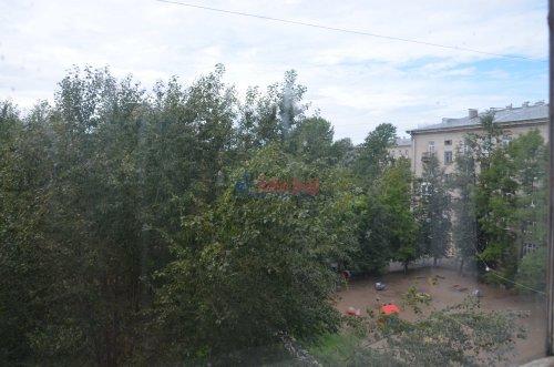 Комната в 4-комнатной квартире (90м2) на продажу по адресу Сестрорецкая ул., 1— фото 8 из 9