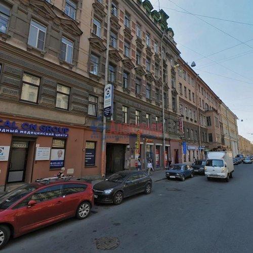 Комната в 6-комнатной квартире (133м2) на продажу по адресу Жуковского ул., 7-9— фото 1 из 2