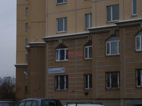 1-комнатная квартира (40м2) на продажу по адресу Большевиков пр., 30— фото 1 из 13