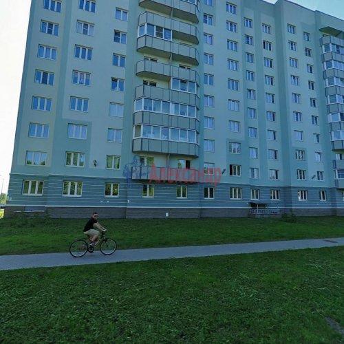 2-комнатная квартира (54м2) на продажу по адресу Осиновая Роща пос., Приозерское шос., 14— фото 2 из 17