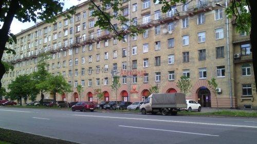 4-комнатная квартира (105м2) на продажу по адресу Краснопутиловская ул., 12— фото 1 из 12
