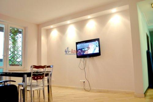 3-комнатная квартира (80м2) на продажу по адресу Комендантский пр., 53— фото 3 из 18