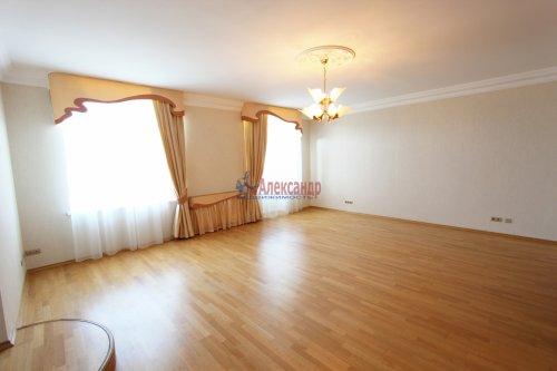 3-комнатная квартира (77м2) на продажу по адресу Бассейная ул., 61— фото 1 из 7