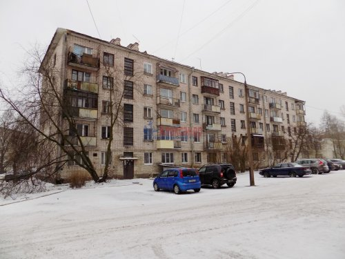 1-комнатная квартира (31м2) на продажу по адресу Выборг г., Ленинградское шос., 27— фото 1 из 11