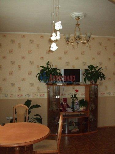 3-комнатная квартира (84м2) на продажу по адресу Стачек пр., 21— фото 1 из 8