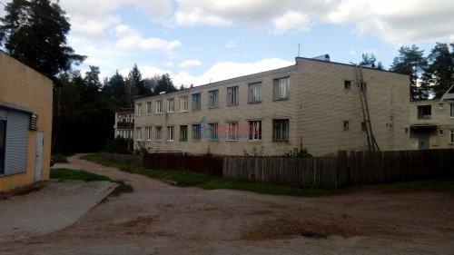 3-комнатная квартира (53м2) на продажу по адресу Цвелодубово пос., Центральная ул., 22— фото 2 из 4