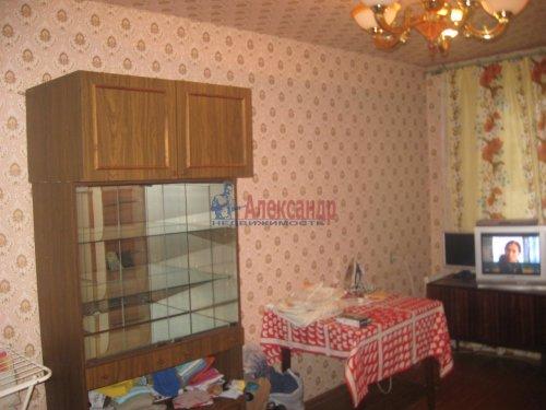 3-комнатная квартира (62м2) на продажу по адресу Каменногорск г., Ленинградское шос., 84— фото 2 из 5