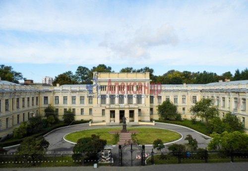 7-комнатная квартира (234м2) на продажу по адресу Суворовский пр., 39— фото 7 из 10
