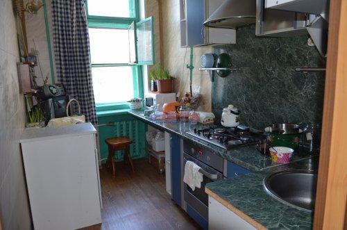 Комната в 2-комнатной квартире (52м2) на продажу по адресу Петергоф г., Санкт-Петербургский пр., 30— фото 4 из 9