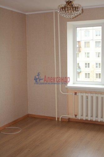 Комната в 8-комнатной квартире (114м2) на продажу по адресу Серебристый бул., 13— фото 3 из 11
