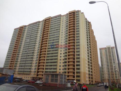 2-комнатная квартира (60м2) на продажу по адресу Мурино пос., Охтинская аллея, 14— фото 1 из 17