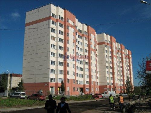 1-комнатная квартира (35м2) на продажу по адресу Коммунар г., Ижорская ул., 28— фото 1 из 10