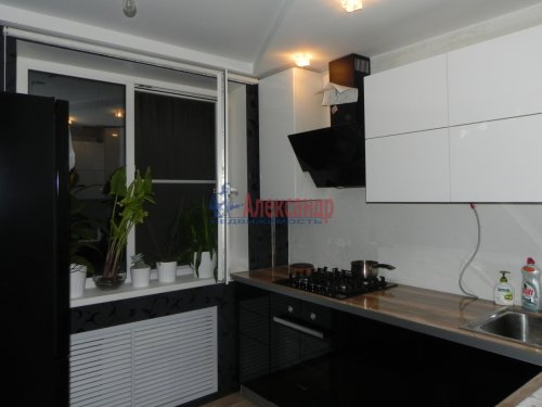 3-комнатная квартира (70м2) на продажу по адресу Тихорецкий пр., 33— фото 1 из 7