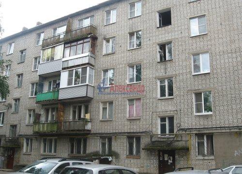 3-комнатная квартира (58м2) на продажу по адресу Волхов г., Авиационная ул., 23— фото 1 из 5