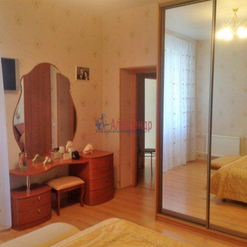 2-комнатная квартира (63м2) на продажу по адресу Новоколомяжский пр., 4— фото 9 из 22
