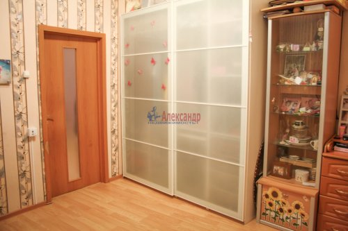 2-комнатная квартира (45м2) на продажу по адресу Выборг г., Крепостная ул., 1— фото 10 из 26