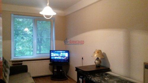 Комната в 4-комнатной квартире (80м2) на продажу по адресу Народного Ополчения пр., 187— фото 1 из 10