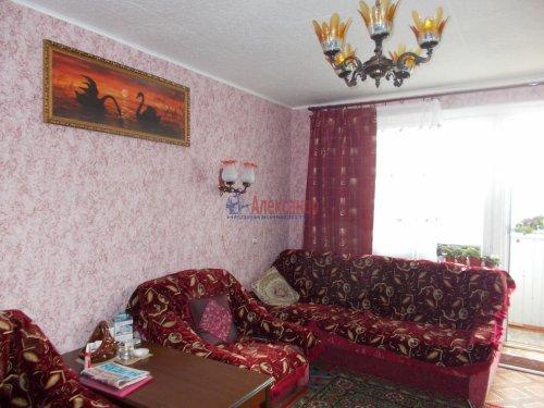 3-комнатная квартира (53м2) на продажу по адресу Тихвин г., 2-й мкр., 18— фото 1 из 5