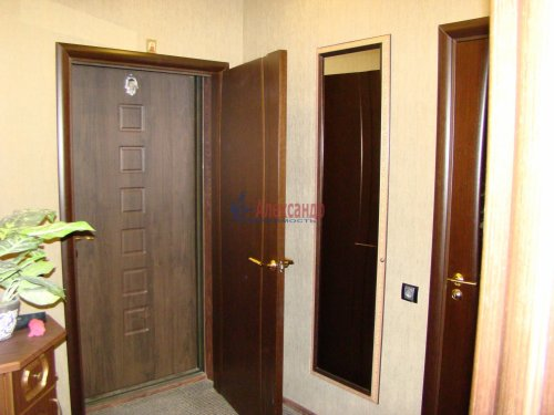 1-комнатная квартира (42м2) на продажу по адресу Петергофское шос., 45— фото 4 из 17