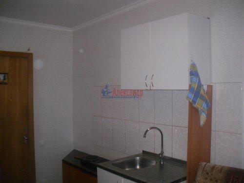 Комната в 6-комнатной квартире (105м2) на продажу по адресу Есенина ул., 22— фото 3 из 6