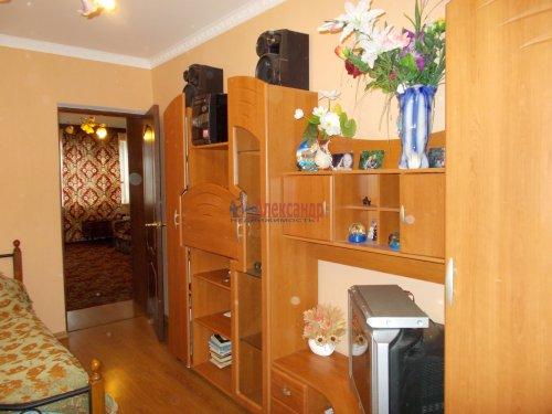 3-комнатная квартира (61м2) на продажу по адресу Ломоносов г., Ораниенбаумский пр., 49— фото 1 из 18