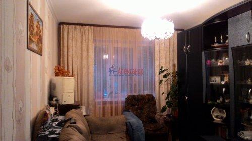 3-комнатная квартира (67м2) на продажу по адресу Кириши г., Нефтехимиков ул., 26— фото 1 из 6