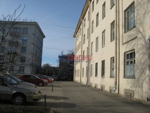 2-комнатная квартира (50м2) на продажу по адресу Елизарова пр., 10— фото 2 из 8
