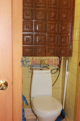 2-комнатная квартира (52м2) на продажу по адресу Подвойского ул., 14— фото 8 из 14