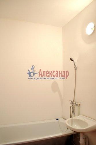 2-комнатная квартира (58м2) на продажу по адресу Юнтоловский пр., 47— фото 12 из 15