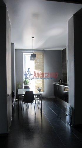 2-комнатная квартира (70м2) на продажу по адресу Петергофское шос., 5— фото 5 из 19