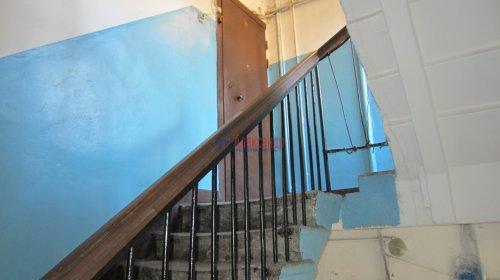 Комната в 8-комнатной квартире (141м2) на продажу по адресу Малодетскосельский пр., 32— фото 2 из 13