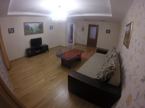 2-комнатная квартира (69м2) на продажу по адресу Шушары пос., Пушкинская ул., 48— фото 2 из 16