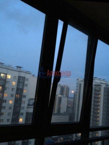 2-комнатная квартира (65м2) на продажу по адресу Русановская ул., 15— фото 10 из 12