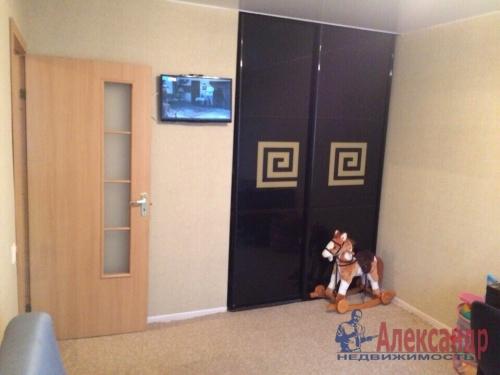 2-комнатная квартира (47м2) на продажу по адресу Славы пр., 22— фото 4 из 16