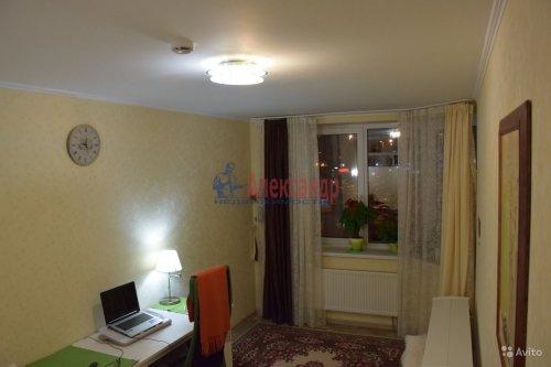 1-комнатная квартира (33м2) на продажу по адресу Кузнецова пр., 12— фото 2 из 6