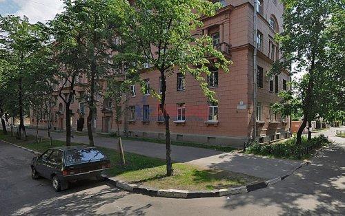 Комната в 3-комнатной квартире (71м2) на продажу по адресу Синявинская ул., 3— фото 1 из 17