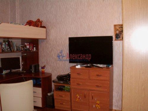 Комната в 3-комнатной квартире (69м2) на продажу по адресу Ткачей ул., 46— фото 8 из 13