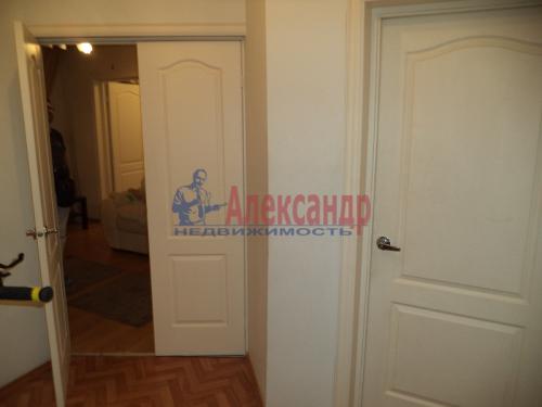 2-комнатная квартира (50м2) на продажу по адресу Маркина ул., 14-16— фото 8 из 28