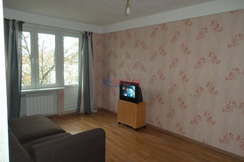 3-комнатная квартира (57м2) на продажу по адресу Народного Ополчения пр., 227— фото 2 из 18