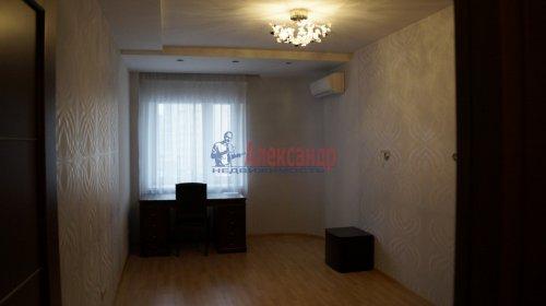 3-комнатная квартира (82м2) на продажу по адресу Варшавская ул., 23— фото 11 из 20