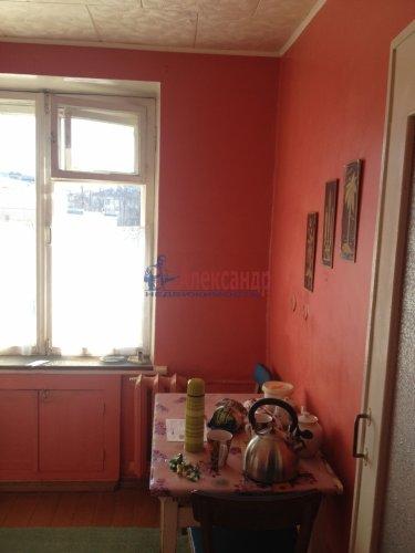 2-комнатная квартира (42м2) на продажу по адресу Кириши г., Ленина пр., 10— фото 2 из 7