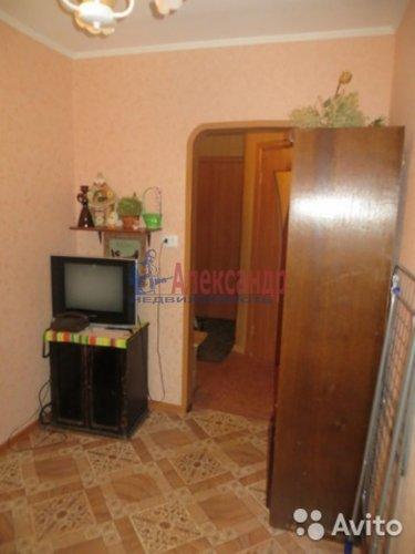 2-комнатная квартира (44м2) на продажу по адресу Коммунар г., Ленинградское шос., 20— фото 1 из 4