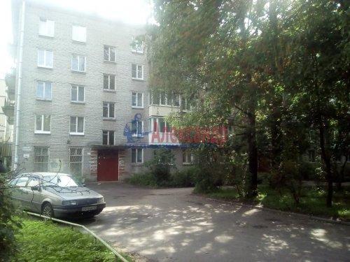Комната в 3-комнатной квартире (57м2) на продажу по адресу Гатчина г., Достоевского ул., 11— фото 1 из 3
