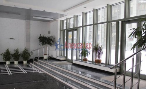 3-комнатная квартира (95м2) на продажу по адресу Шпалерная ул., 60— фото 3 из 11