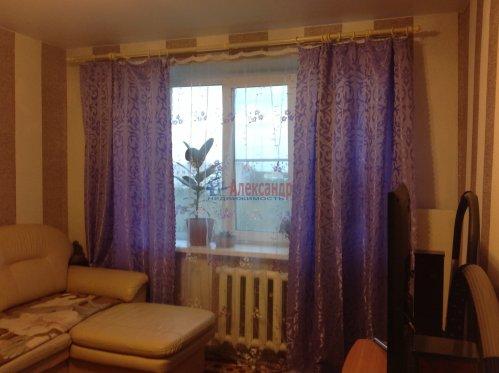 3-комнатная квартира (58м2) на продажу по адресу Красное Село г., Красногородская ул., 17— фото 1 из 9