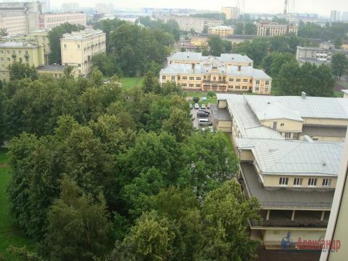3-комнатная квартира (100м2) на продажу по адресу Ново-Александровская ул., 14— фото 4 из 31