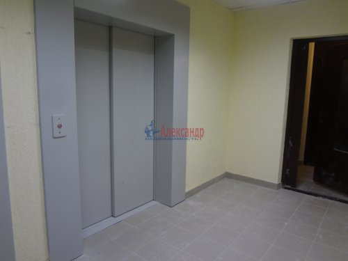 2-комнатная квартира (60м2) на продажу по адресу Мурино пос., Охтинская аллея, 14— фото 2 из 17
