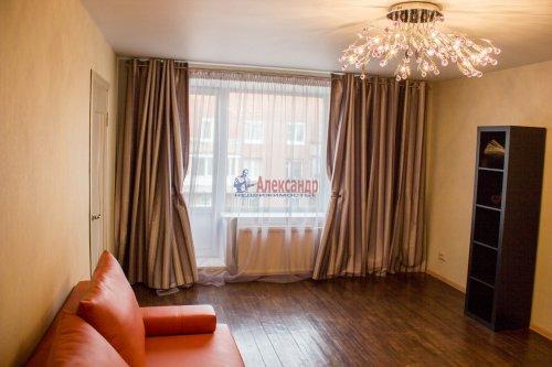 3-комнатная квартира (64м2) на продажу по адресу Ветеранов пр., 115— фото 4 из 13