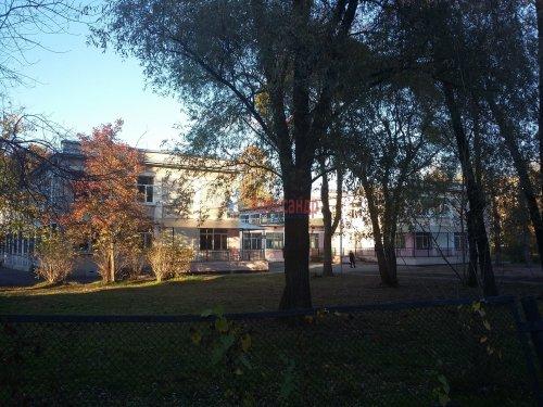 Комната в 3-комнатной квартире (42м2) на продажу по адресу Подводника Кузьмина ул., 2— фото 1 из 4