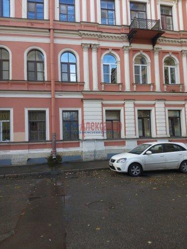 Комната в 6-комнатной квартире (205м2) на продажу по адресу Вознесенский пр., 31— фото 10 из 11